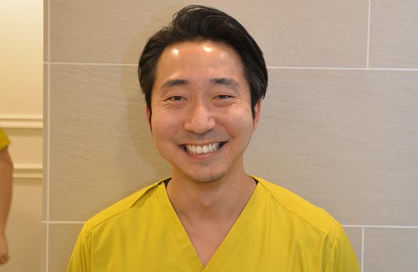 歯科医師  小林崇裕
